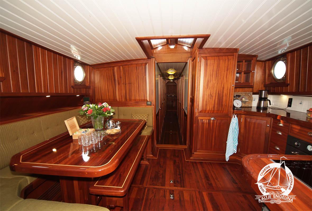 Engels Keuken En Interieurbouw Wanroij : Hotelschip Aaltje Engelina boek nu een kamer of het schip